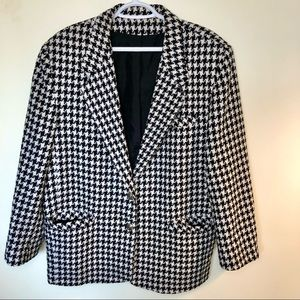 Tribal plus size black & white houndstooth padded blazer with silver hardware